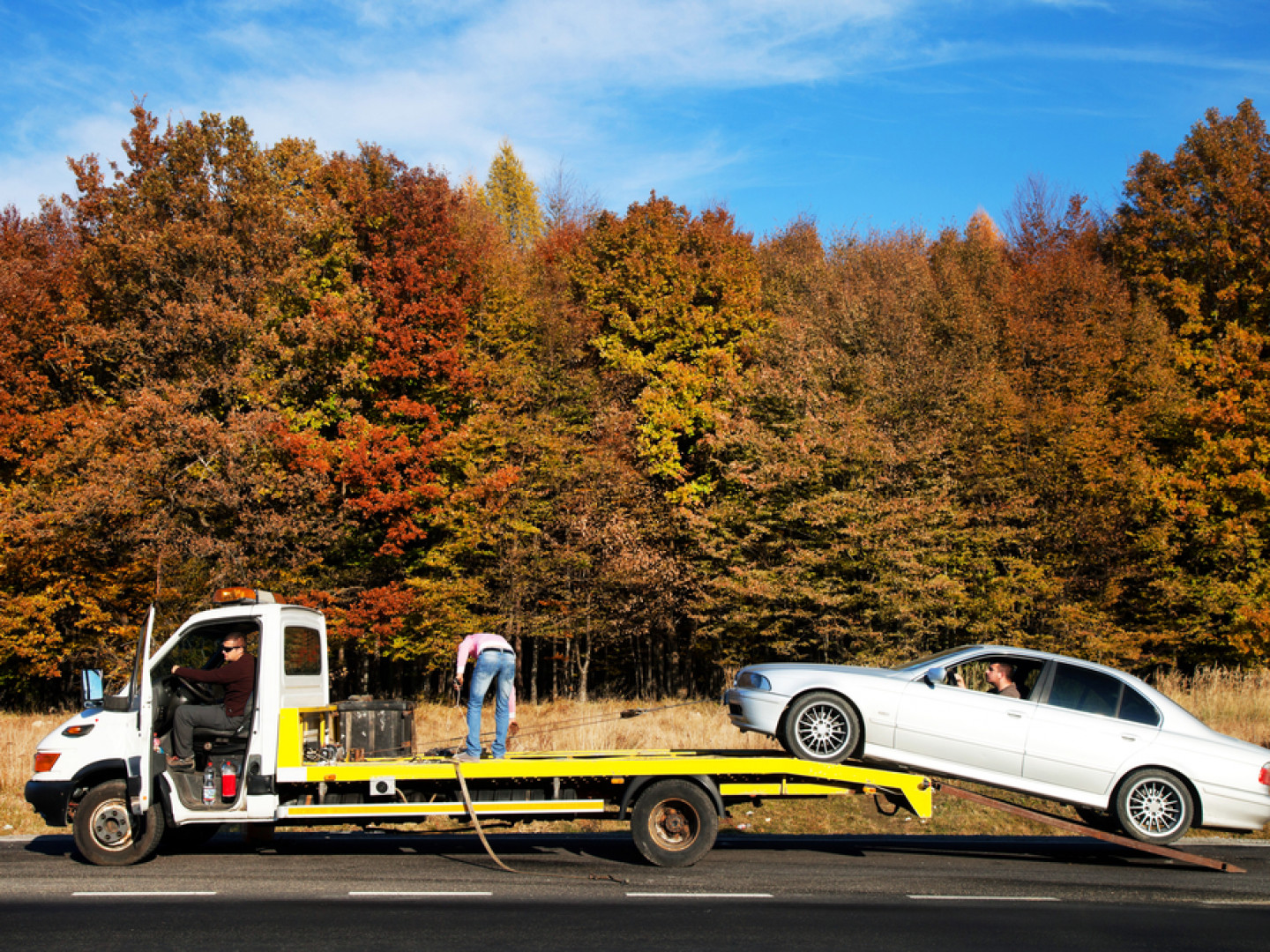 Leave Heavy Equipment Towing to the Pros